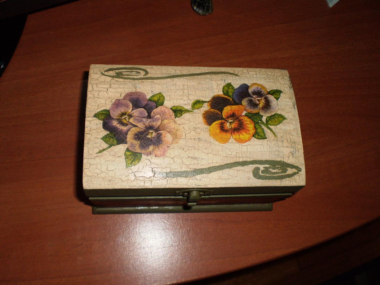 Lirioazul caja madera decoupage y craquelado - Craquelado de madera ...