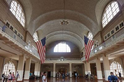 New York Ellis Island border=