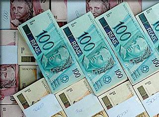 Dinheiro, money, dinheiro, muito dinheiro na conta.