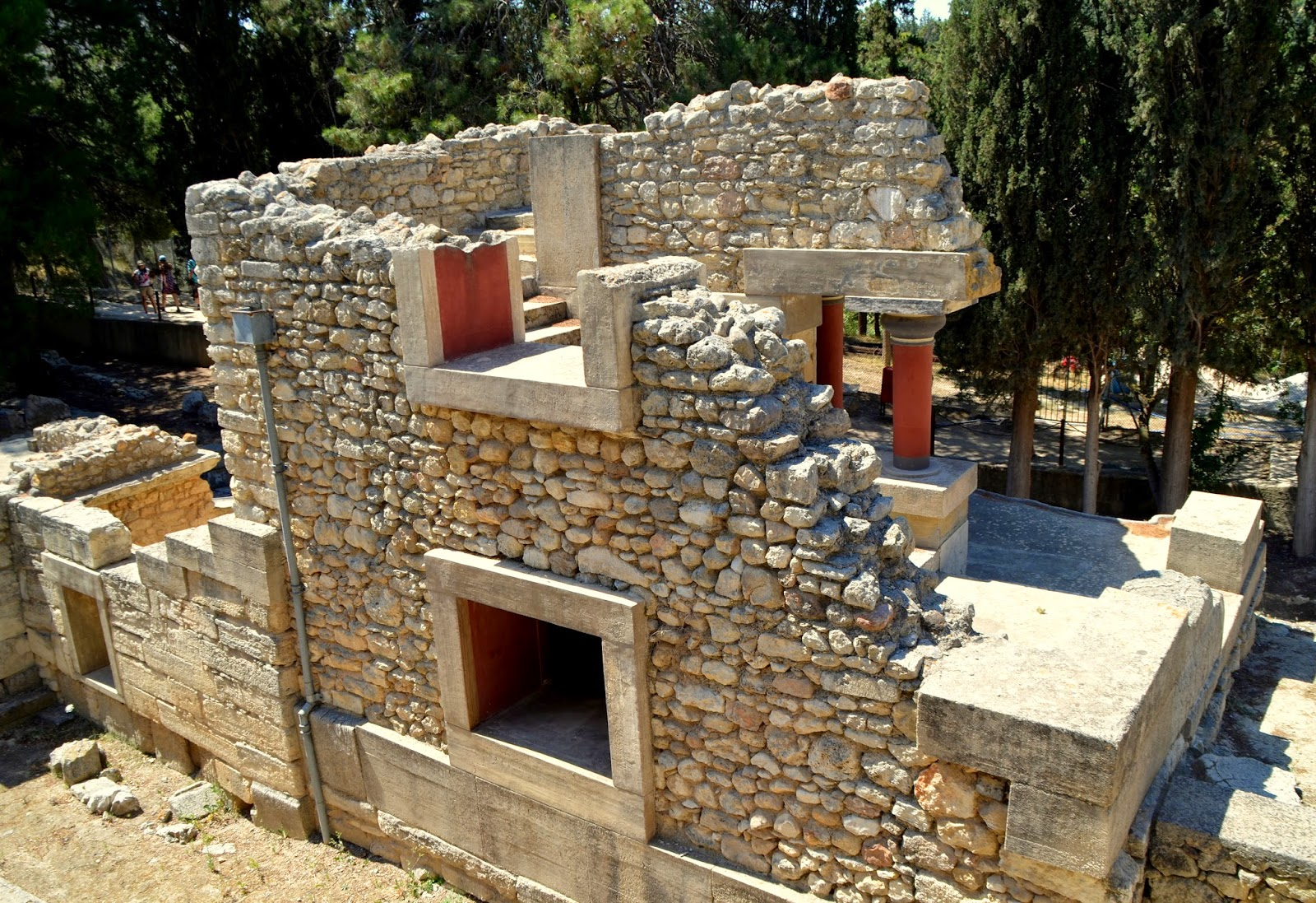 palace ruins knossos crete