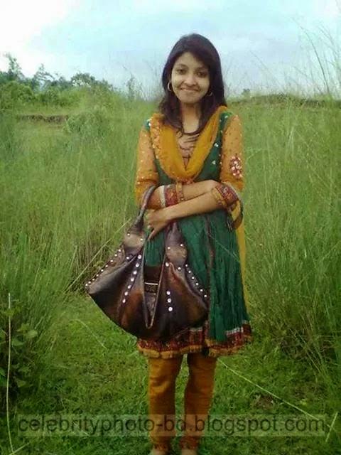 Bangladeshi%2BNormal%2BVillage%2BGirls%2BLatest%2BPhotos044