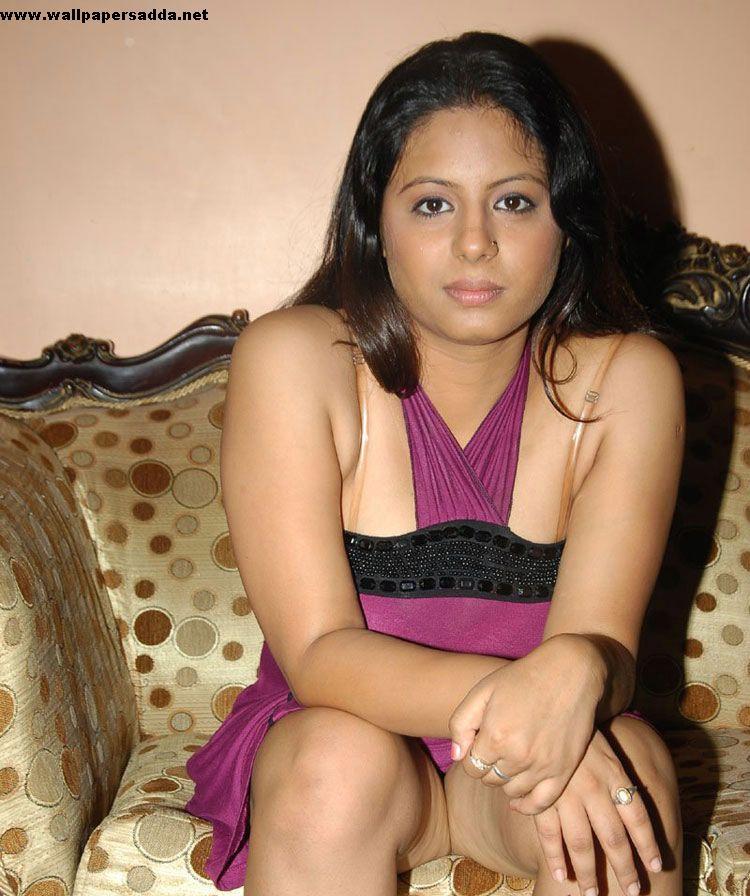sunakshi thighs images sunakshi sexy hot armpit images sunakshi ...