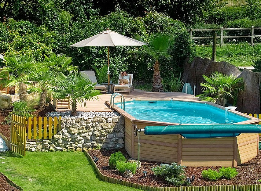 Small pool ideas for small yard for Small backyard designs with pool