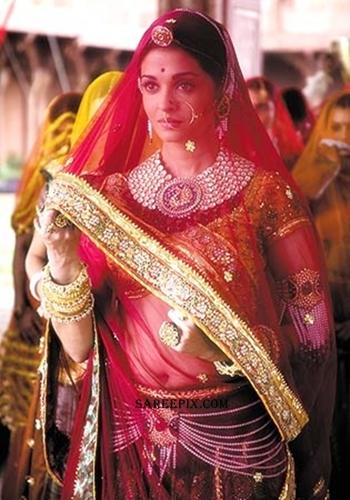 Aishwarya_Rai_tradition_lehenga_saree_Jodha_Akbar