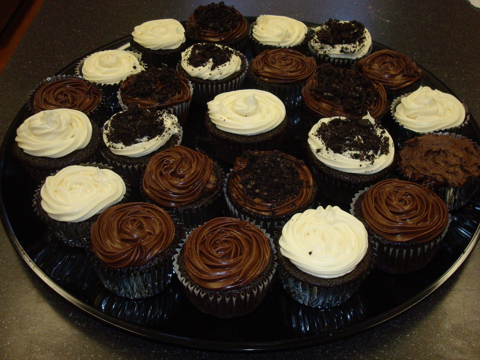 Rachel's Sugar Rush: Chocolate Cupcakes and Red Wine Cookies!