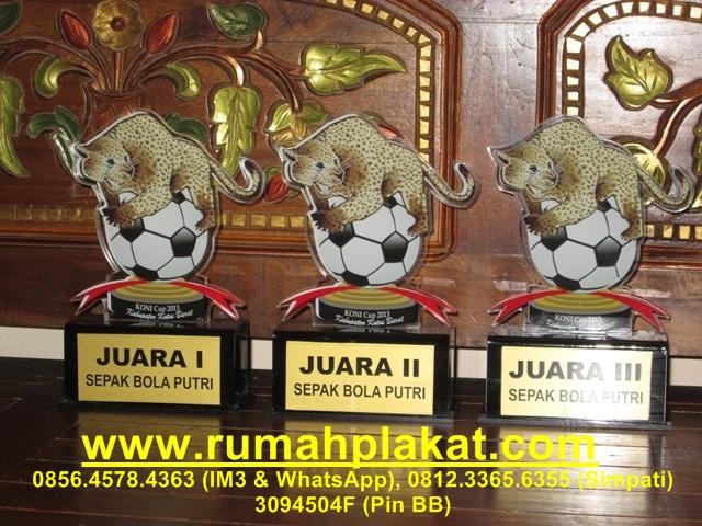 Bikin Plakat Akrilik, Buat Plakat resin, Jual Plakat Kristal, 0856.4578.4363, www.rumahplakat.com