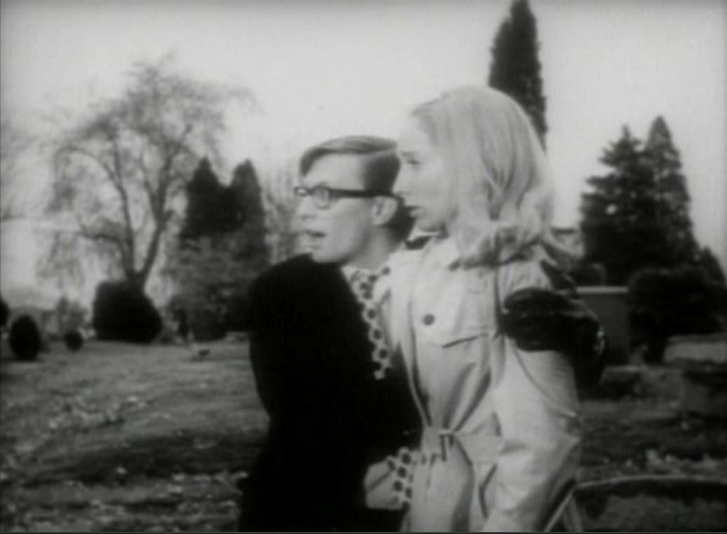 Barbara e suo fratello nella scena epica del cimitero