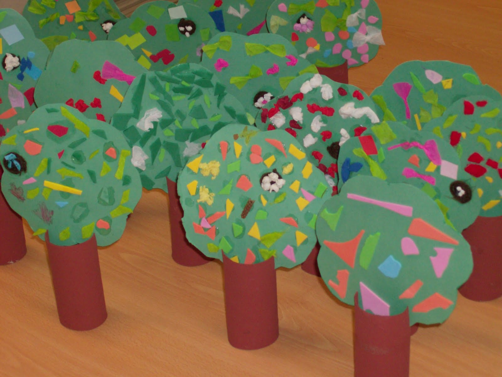 Reuse Crafts: Toilet Paper Roll Tree Craft