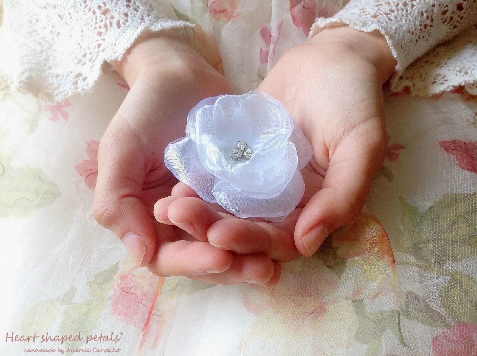Hair accessories white flower
