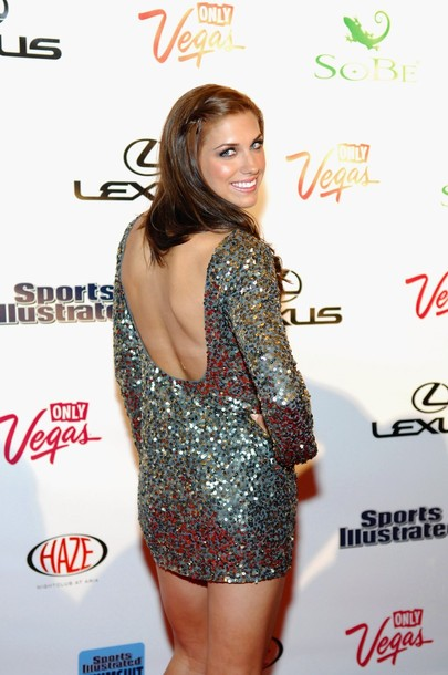 UNO News Net: SOCCER WITHOUT CLOTHES: HOPE SOLO NUDE AND