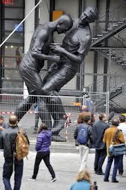 Patung tandukan Zidane di pamerkan di prancis