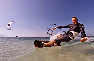 Lokasi kitesurfing di Pulau Tabuhan, Banyuwangi terbaik di Indonesia
