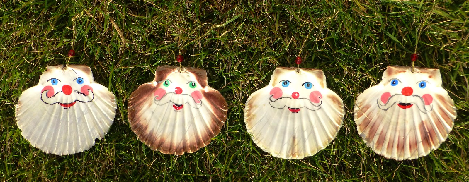 Fair isle scallop shell santa christmas ornaments for Seashell crafts for adults
