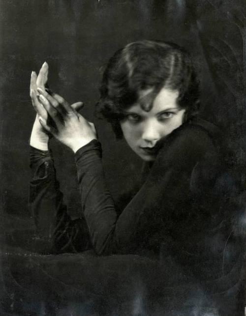 tilly losch portrait