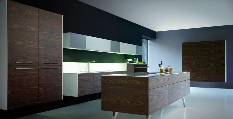 Muebles de cocina suspendidos ligeros a la vista y for Cocinas espanolas modernas
