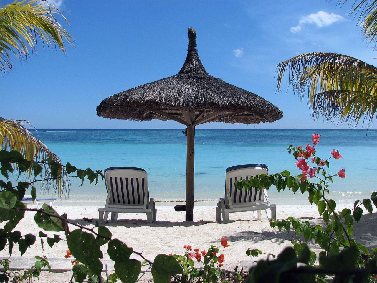 http://1.bp.blogspot.com/-L2tOAQjH6Rw/TXpqEOw4K3I/AAAAAAAADJU/iFb3zBdfGhI/s1600/mauritius_island.jpg