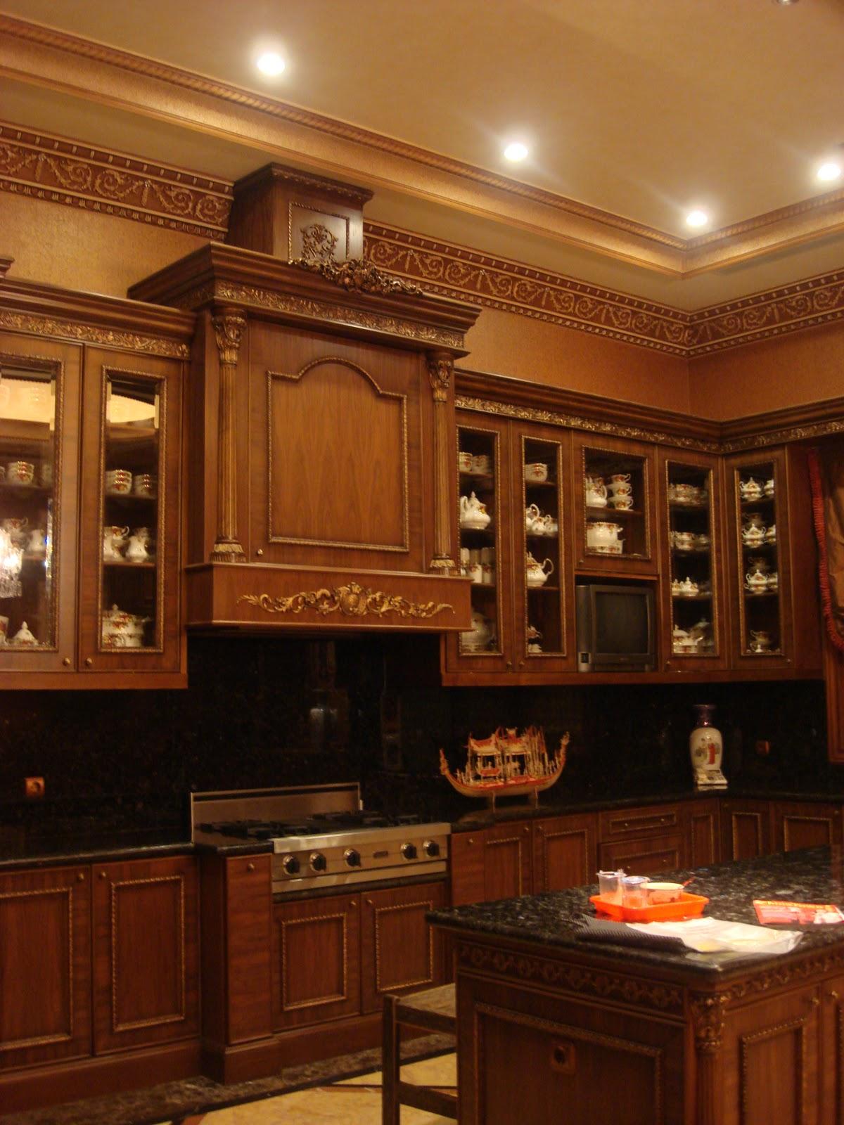 RUMAH DISAIN: Kitchen Set - bergaya klasik elegan