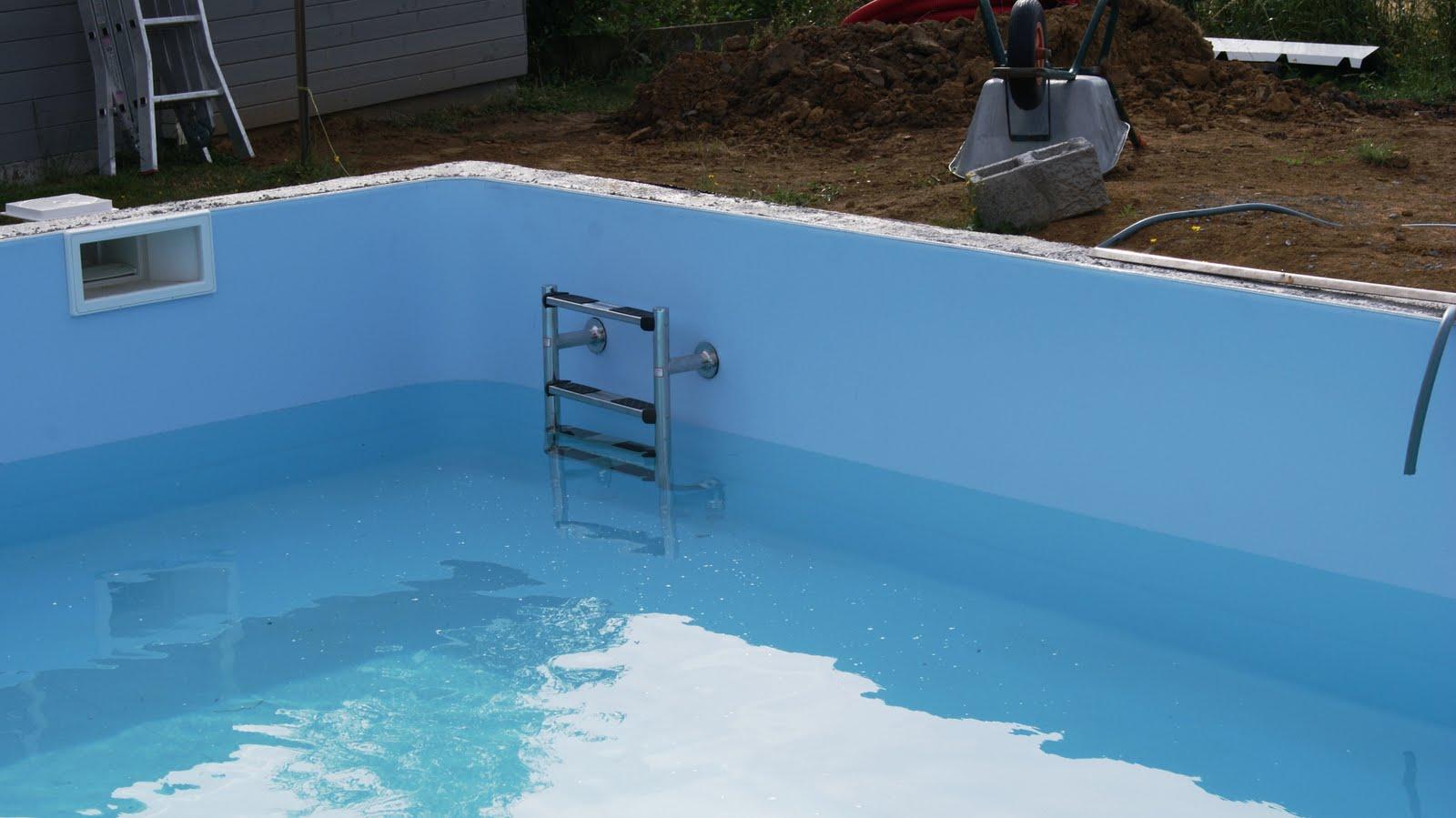 Ma piscine en polystyr ne la pr paration des blocs et le for Piscine mortier tours