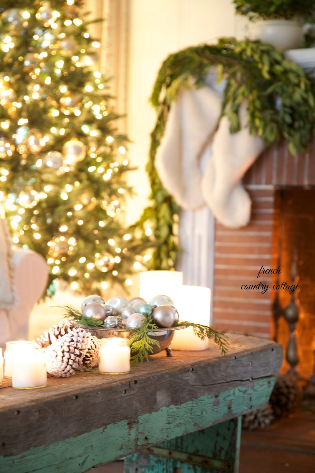 Beautiful Christmas setting in the Living Room from French Country Cottage | Friday Christmas Favorites at www.andersonandgrant.com