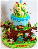 Cake with Maya Bee