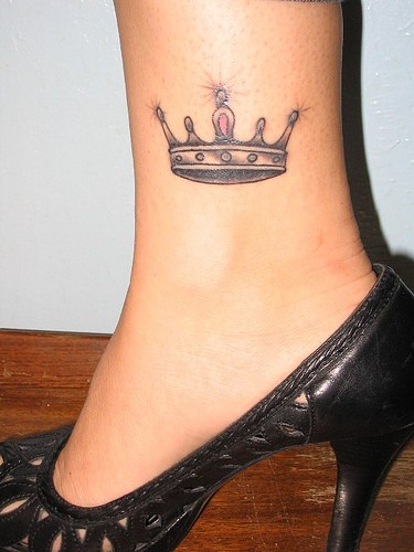syaaaaaaap crown tattoo designs for girls. Black Bedroom Furniture Sets. Home Design Ideas