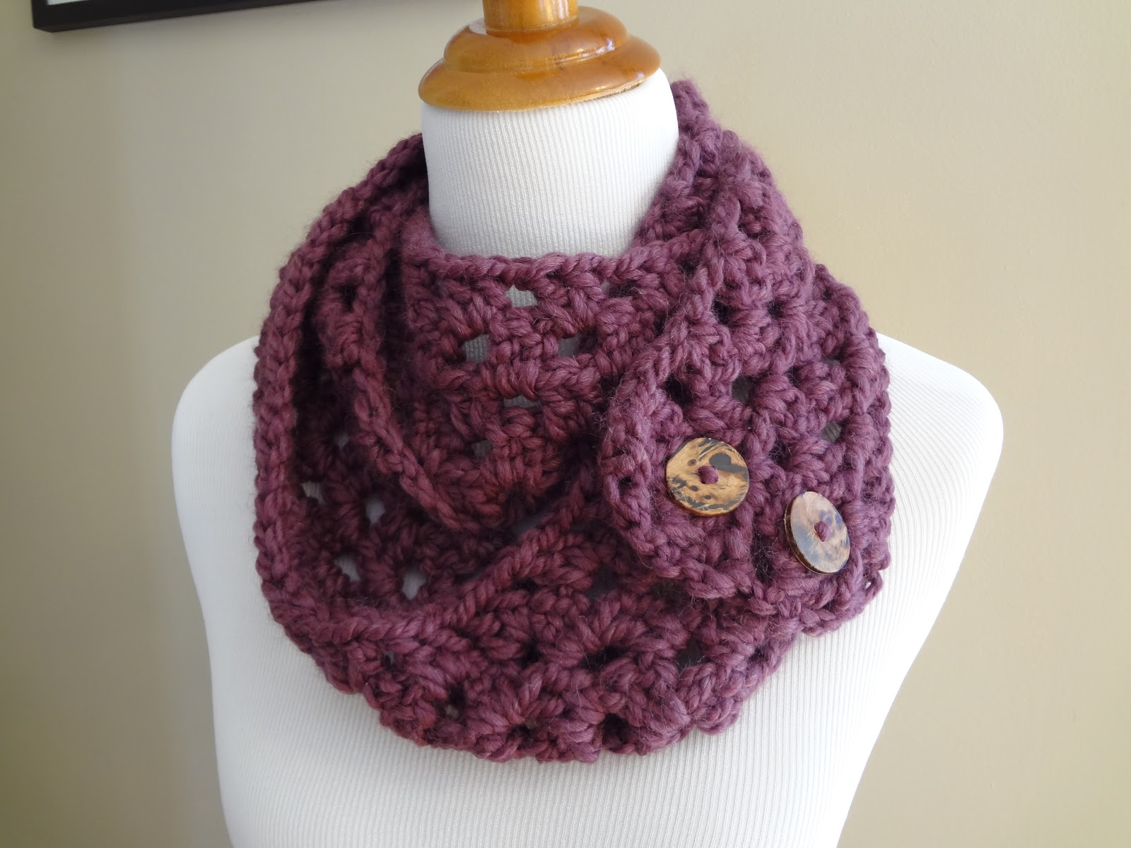 Crochet Scarf Pattern With Pictures : Fiber Flux: Free Crochet Pattern...Fiona Button Scarf!