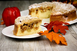 slice-of-apple-pie-cake