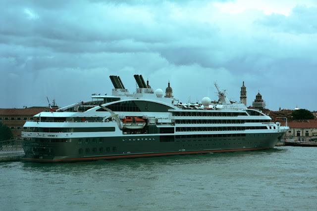 LÁustral Venice