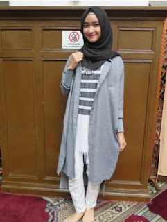 Trend Baju Muslim Monokrom Terbaru 2016 Ungu Putih