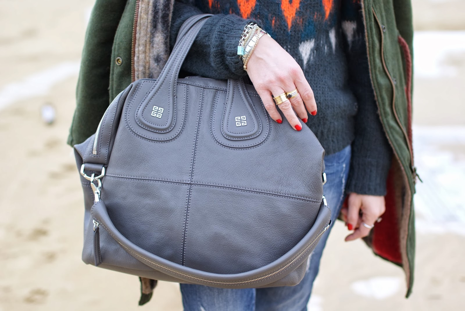 Grey Givenchy Nightingale bag, BVLGARI BZero ring, Fashion and Cookies, fashion blogger
