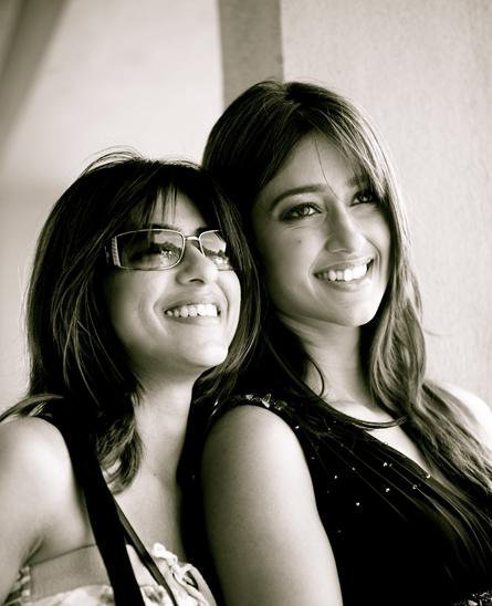 Ileana Latest Photo Collection With Her FriendsFamilyCollegues movie photos