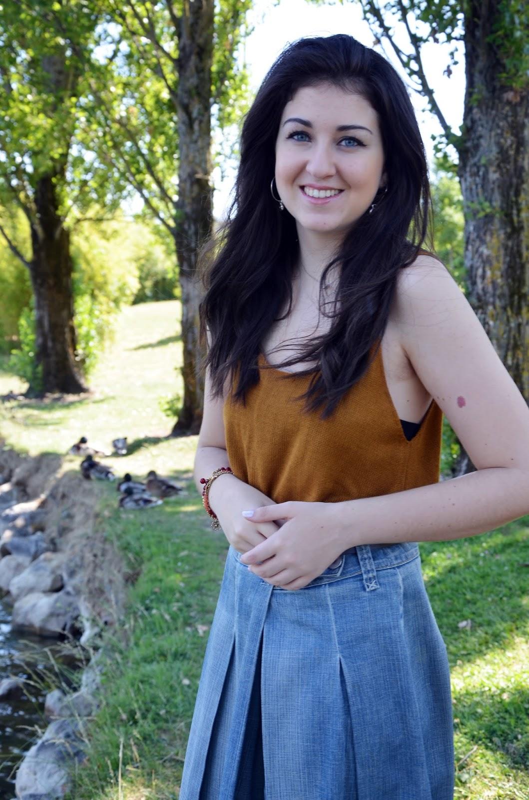 how to wear denim midi skirt