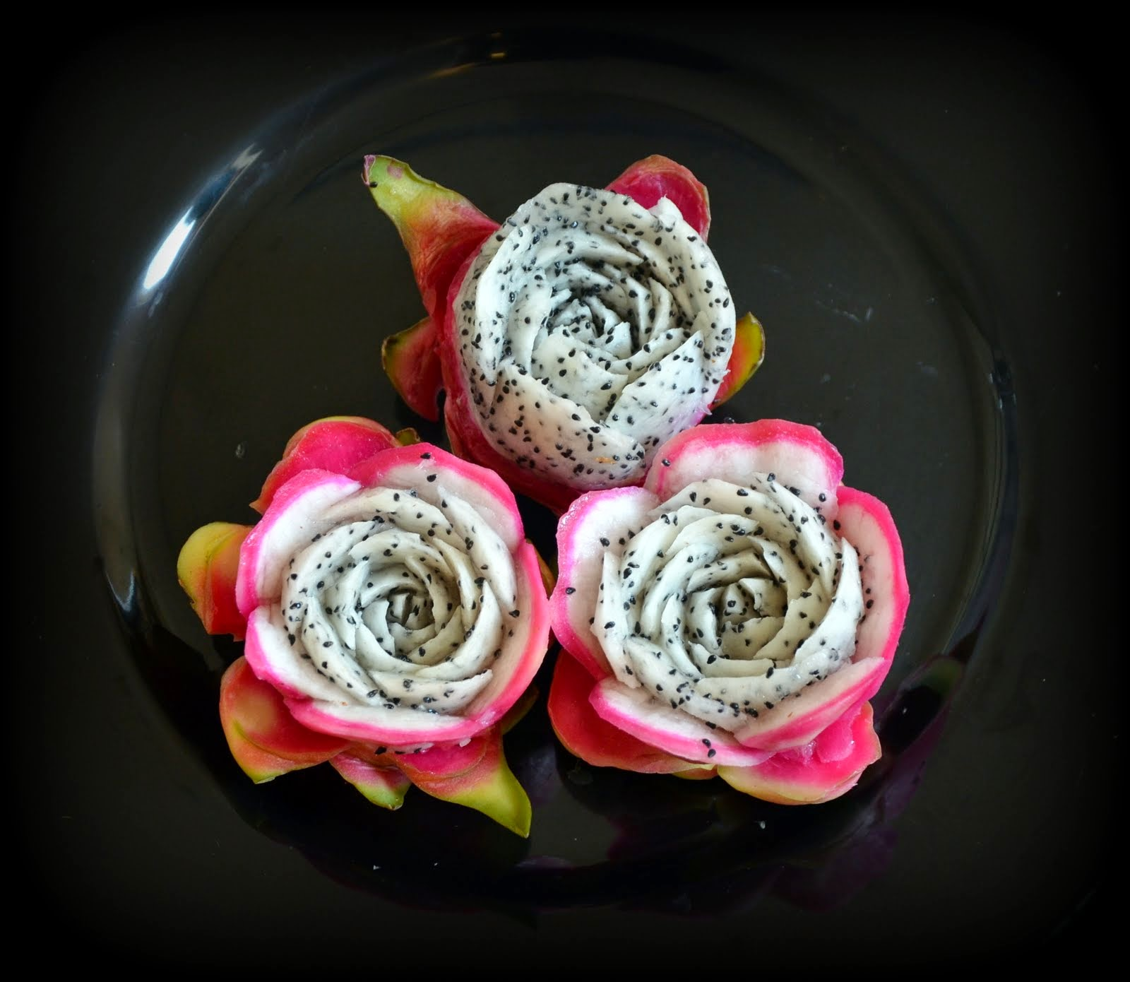 Roses Dragon Fruit
