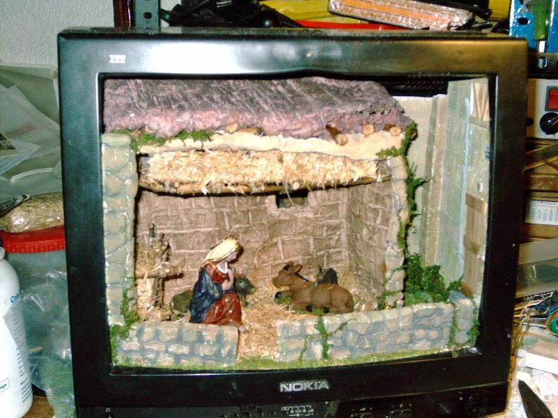 """Como hacer un belen, reutilizando la carcasa de un televisar de 14"""""""