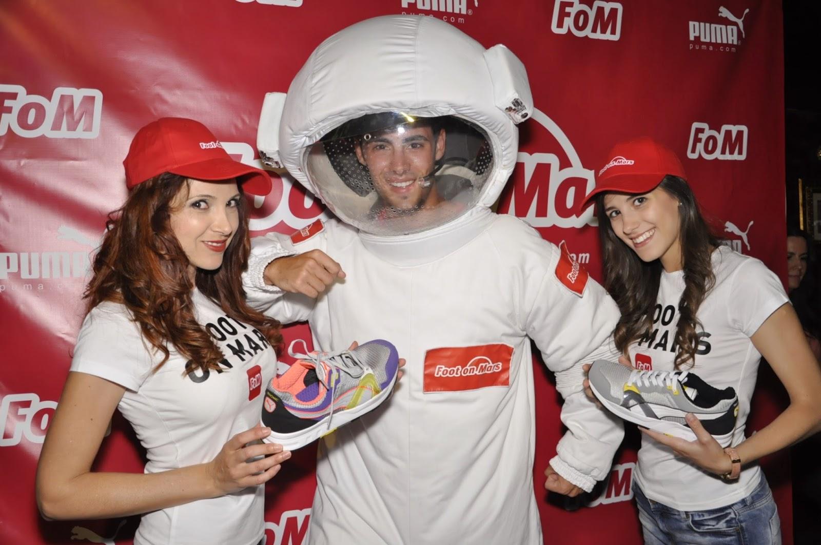 Fotos en el photocall de la fiesta de Foot on Mars en Canterbury Tavern Zaragoza. Makoondo Eventos.