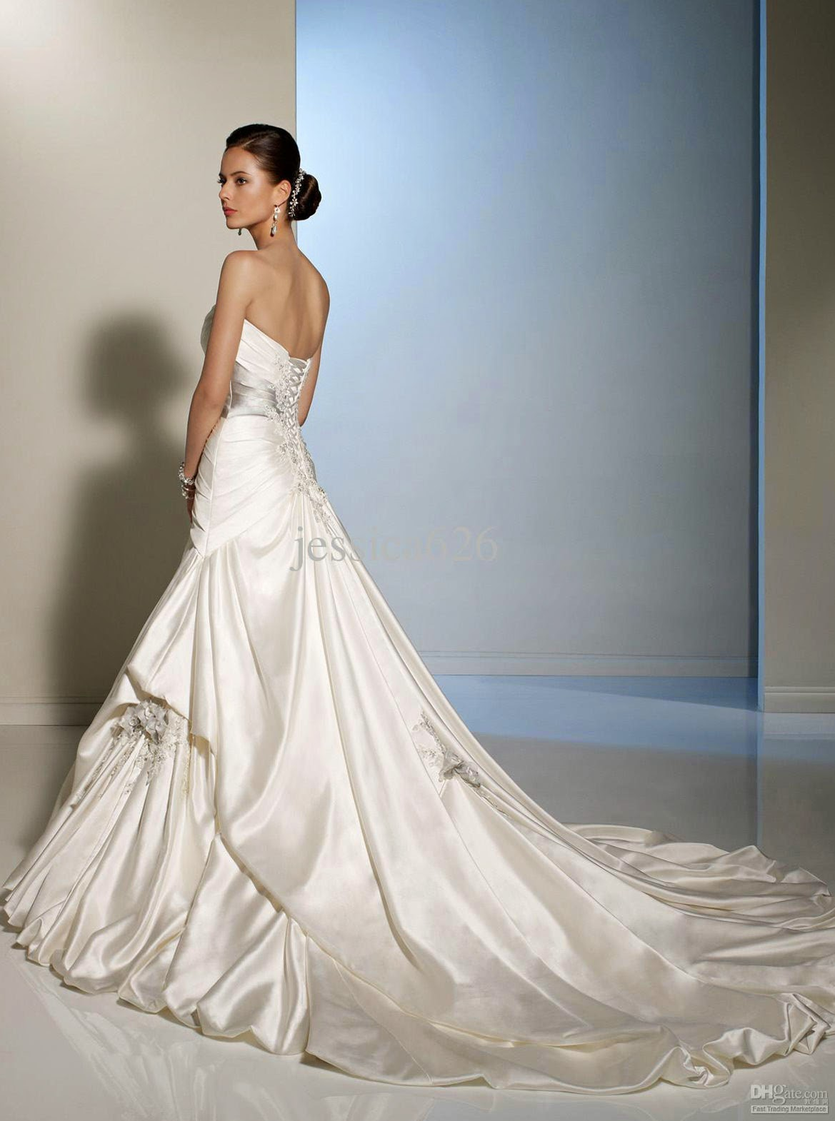 A Fishtail Wedding Dress : Ivory wedding dresses fishtail style design ideas