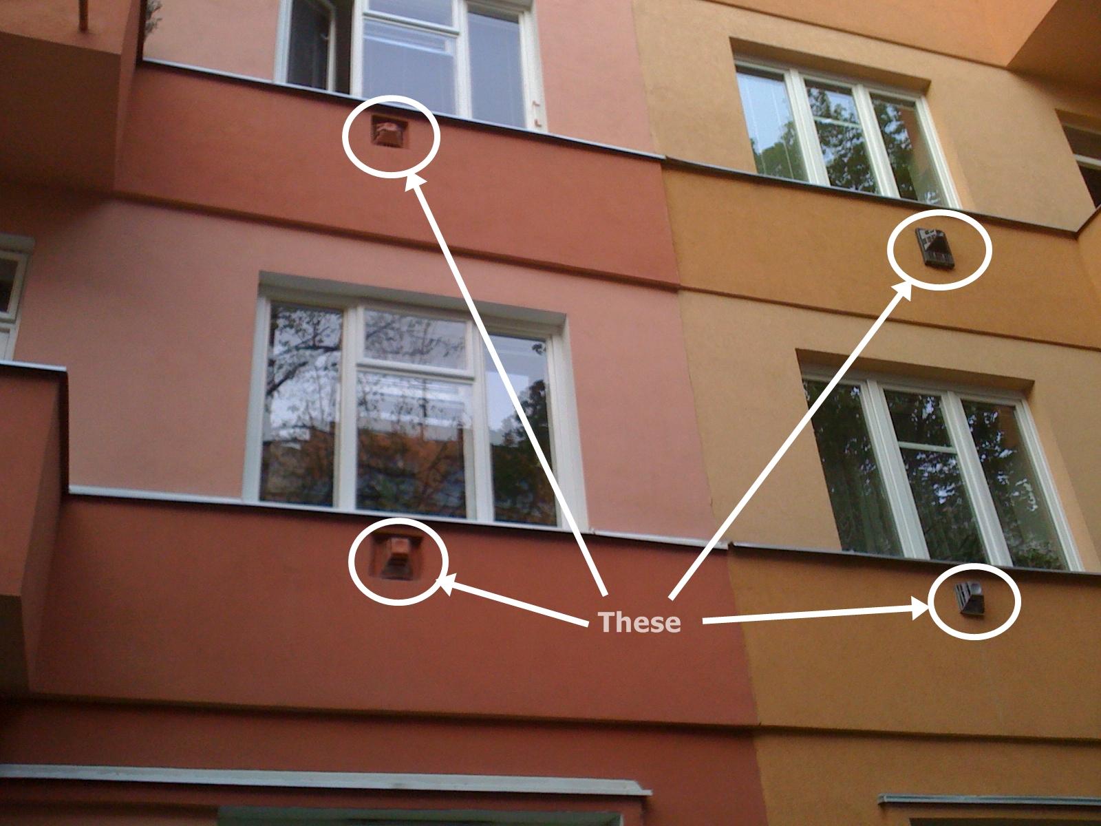 Sakiko's Moravian Rhapsody: Fan under the window? #74412F