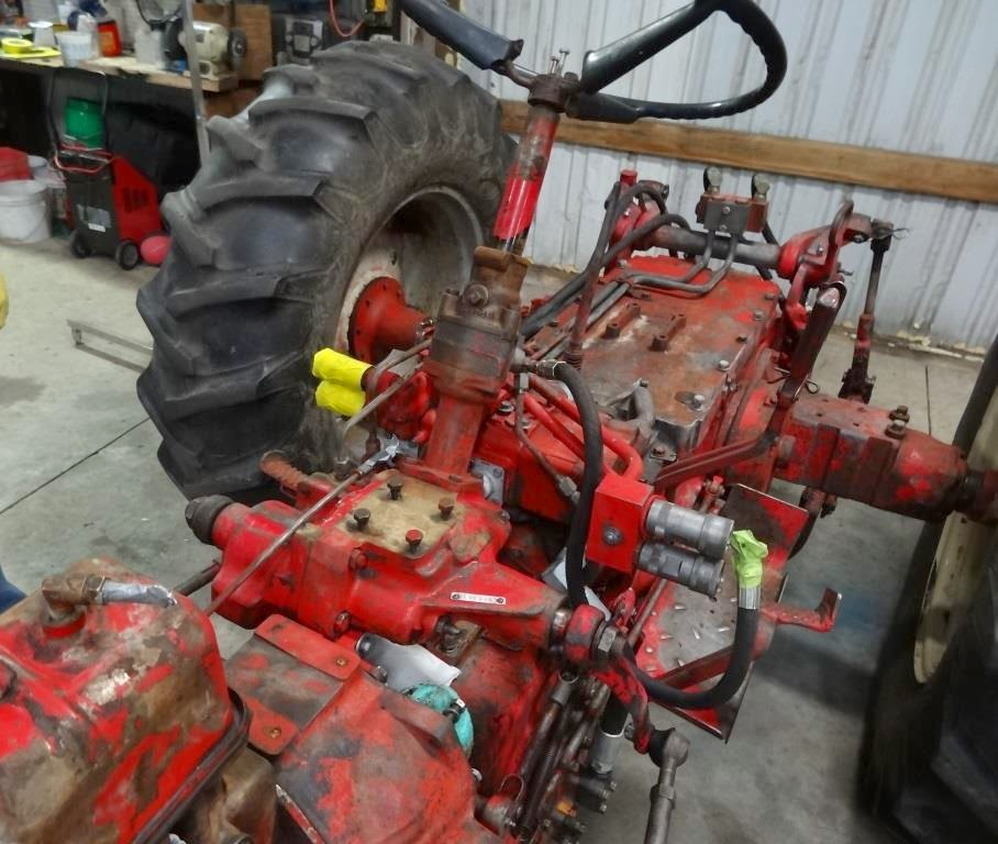 International 460 utility tractor steering box
