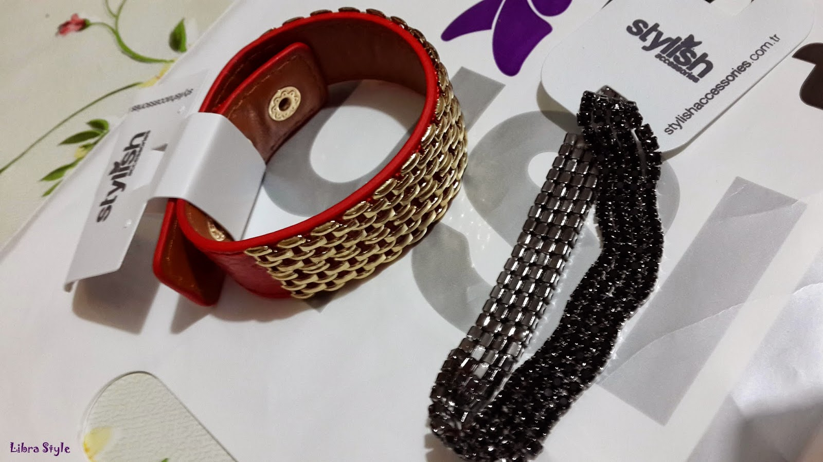 red wristband, leather wristband, wristband, bileklik,