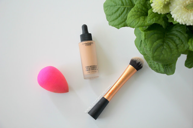 MAC waterweight spf 30 foundation in NC30 review