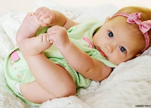 Un bébé tout mignon