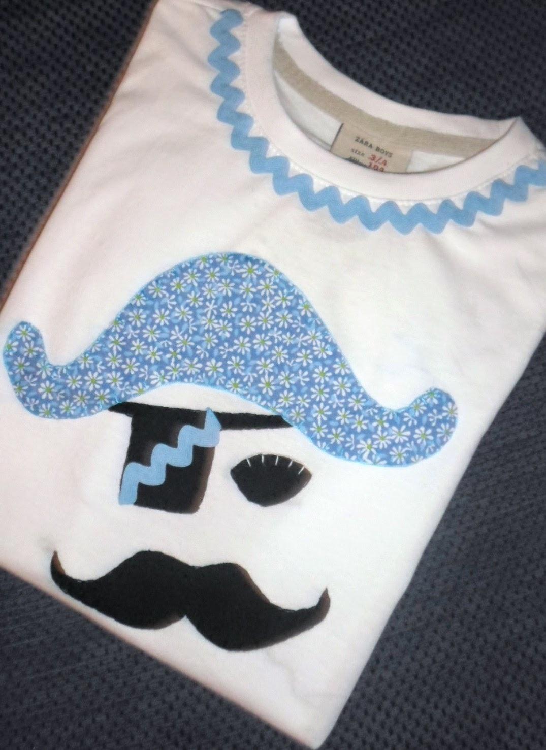 camiseta con aplicación de pirata