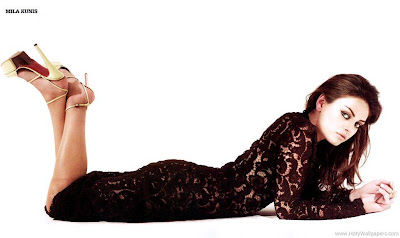 Mila Kunis Glamorous Wallpaper