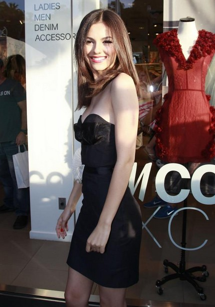 Victoria Justice H&M eco friendly conscious collection