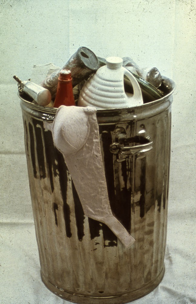 05-Garbage-Victor-Spinski-Clay-Sculptures-replicating-objects-from-Daily-Life-www-designstack-co