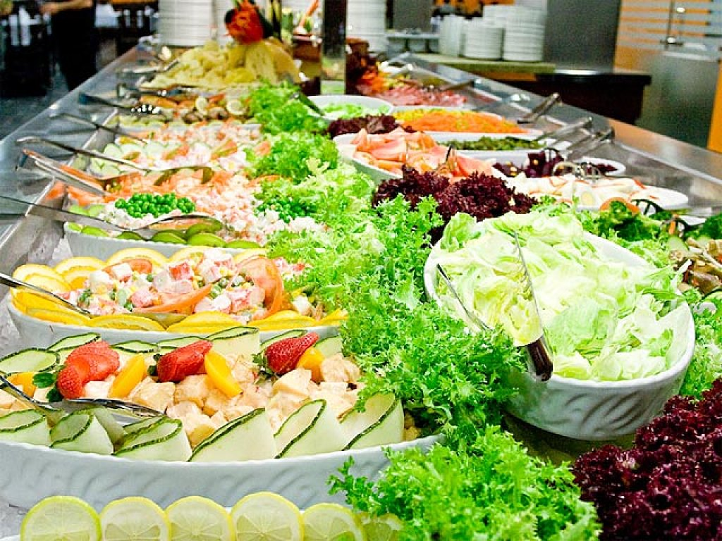 Restaurante org nico karacbabay barra de ensaladas - Decoracion de ensaladas ...