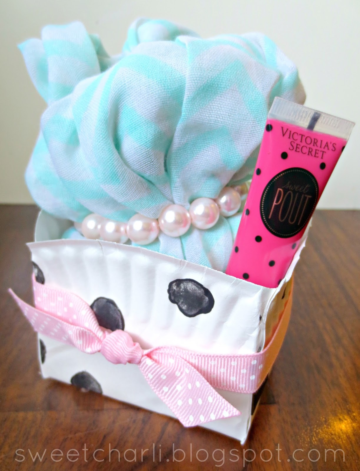 DIY Gift Box Using a Paper Plate! & DIY Gift Box Using a Paper Plate! - Sweet Charli