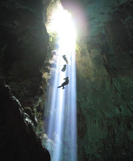 Cavernas -  espalhadas pelo mundo 209_abismosubindositenovo