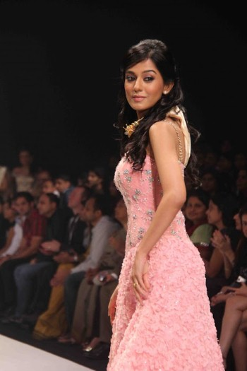 Indian Actress Amrita Rao Hot Ramp Walk