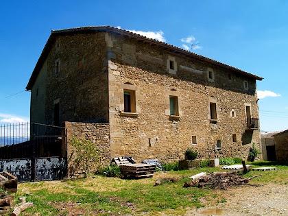 Les façanes nord i de migdia del mas El Puig